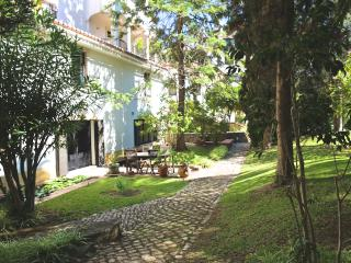 Estoril Living: 3BR  in private condo FREE WIFI - Costa de Lisboa vacation rentals