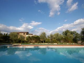 Villa Casa Alta Toscana Con Piscina - Murlo vacation rentals