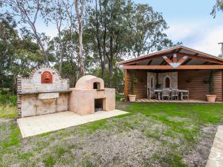 Casa Giuliana, Five star Cottage & tranquil setting - Torquay vacation rentals