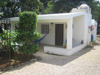 Small House-perfect for one or a couple - Valladolid vacation rentals