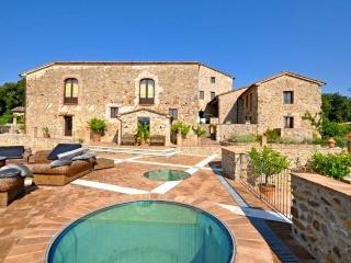 Very large property, pool, spa, events, weddings - San Lorenzo a Merse vacation rentals