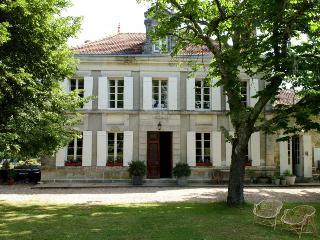 Résidence du Chai - Saint Martin de Gurson vacation rentals