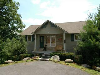 Nice House with Deck and Internet Access - Chalet Village vacation rentals