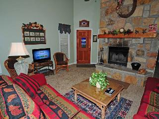 Nice 2 bedroom Chalet Village House with Deck - Chalet Village vacation rentals