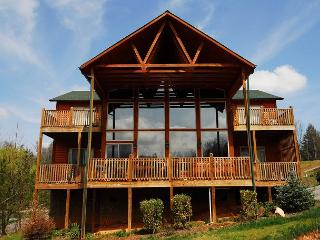 Perfect House with Deck and Internet Access - Pittman Center vacation rentals