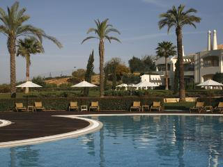 2 Bedroom Townhouse Garden View in an Exclusive 5-Star Resort in Carvoeiro - Carvoeiro vacation rentals