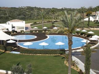 2 Bedroom Townhouse Pool View in an Exclusive 5-Star Resort in Carvoeiro - Carvoeiro vacation rentals