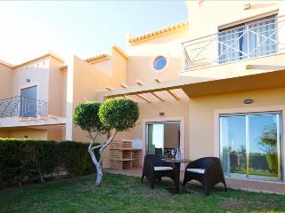 Splendid 2 Bedroom Townhouse for 4 with Sea and Pool View Terrace - Albufeira vacation rentals