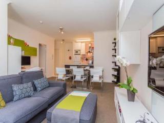 1/11 Regal Court, East Perth, Perth - Perth vacation rentals