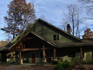 6 Acres, Sleeps 10, Dog Friendly!,HOT TUB, HIKE, Fish, Canoe, or Just Relax! - Deep Gap vacation rentals