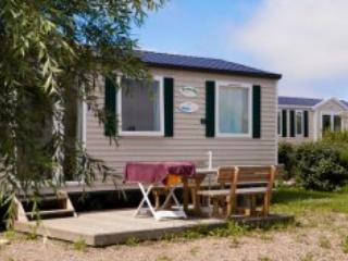 Almadies Mobile Home 6p - La Tranche sur mer - Ile de Re vacation rentals