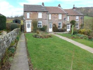 GHYLL COTTAGE rural location, open fire, pet-friendly in Rosedale Abbey Ref 27834 - Rosedale Abbey vacation rentals