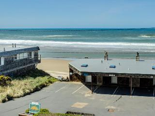 Condo w/ocean views; community attractions; walk to beach - Lincoln City vacation rentals