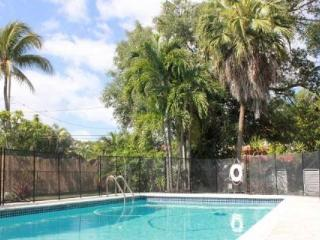 Beautiful home w/Pool--minutes from Miami Beach - Miami vacation rentals