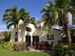 Gorgeous 3 bdrm at Isla Del Sol-Golf course & lake views, garage, patio & BBQ - Florida North Central Gulf Coast vacation rentals