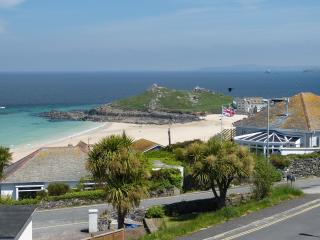 Dolphins, St Ives - Sea Views, Family Friendly - Saint Ives vacation rentals
