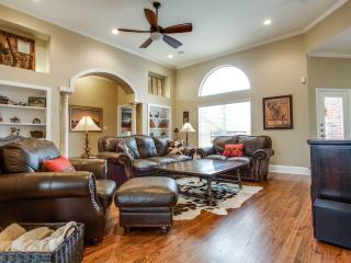 Relaxing Country Retreat with City Amenities - Melissa vacation rentals