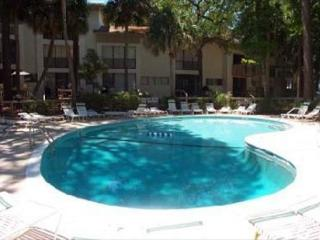 3BR/2BA Townhouse has the Whole Package and is Located by Coligny Plaza - Hilton Head vacation rentals