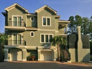 Grand Fourth Row 5BR/5BA 2 Half Bath Home provides Peaceful Serene Setting - Hilton Head vacation rentals