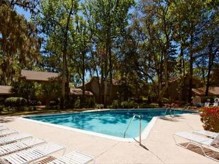 3BR+Bonus Room/4BA Villa Beautifully Decorated and Wonderfully Updated - Hilton Head vacation rentals