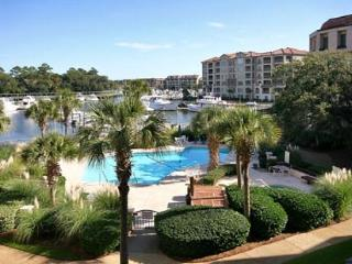 Beautiful 3BR/3BA Luxury Villa Overlooking Shelter Cove Harbour and the Pool - Hilton Head vacation rentals