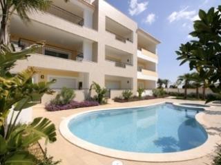 New 2BR Apartment w Beautiful Decor - Porto de Mos - Almadena vacation rentals