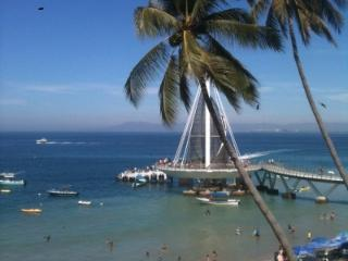 Vibrant & Airy 2BR w Terrace & Dazzling Ocean View - Mexican Riviera-Pacific Coast vacation rentals