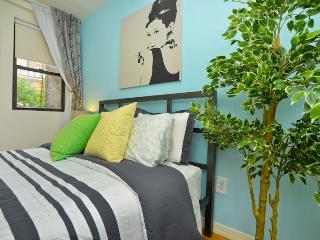*OASIS*  2 Bedroom,  2 Bath  Apartment + Garden! - New York City vacation rentals
