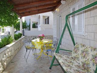 AdriaBol Toni 2 - Bol vacation rentals
