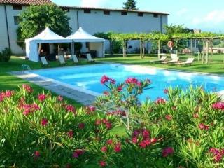 Tuscany 22 pax Pool Tennis, AC ,wifi, staff, - San Lorenzo a Vaccoli vacation rentals