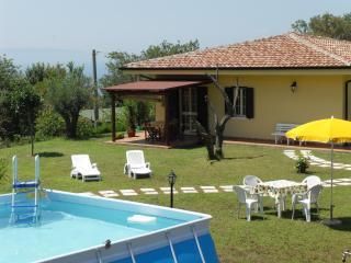 Papavero cottage - splendid property with pool! - Ricadi vacation rentals