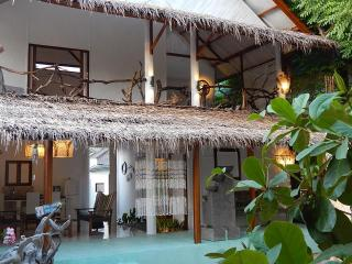 Sahara Sands, charming beach house Gili T - Tanjung vacation rentals