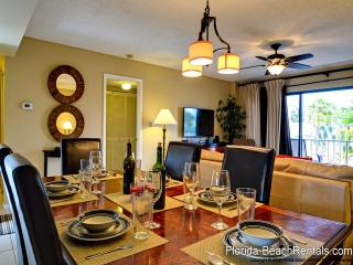 Villas of Clearwater Beach 2B Refurbished 2/2 steps to Clearwater Beach sand - Clearwater Beach vacation rentals