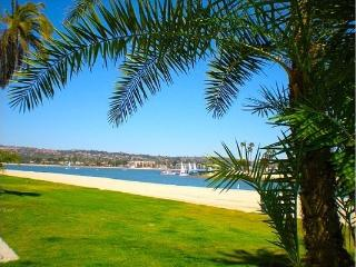 Mission Beach Condo in the Heart of activity - Pacific Beach vacation rentals