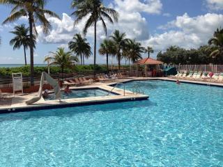 #430 Full Ocean Front King Studio sleeps 3 ppl - Hollywood vacation rentals