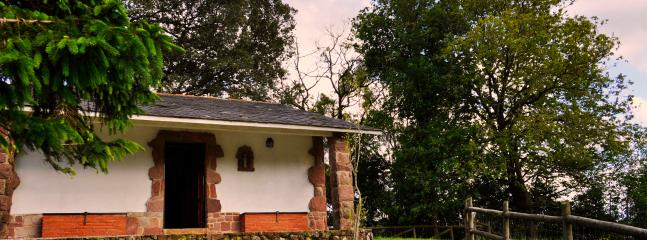 Nice Cottage with Central Heating and Short Breaks Allowed - Pesues vacation rentals