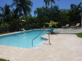 Casa de Vacaciones IDEAL para Familias y Amigos - Humacao vacation rentals