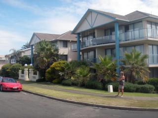 Beach Escape at Bennetts Beach, Hawks Nest - Shoal Bay vacation rentals