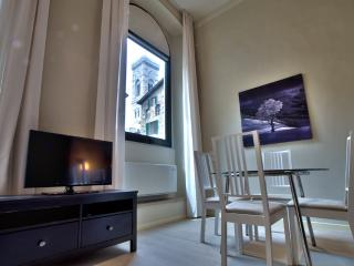 MORGANA, 50m close to Florence Cathedral - Florence vacation rentals