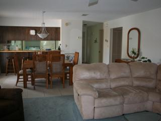 AFFORDABLE NAVARRE BEACH CONDO! JUST STEPS TO BCH! - Fort Walton Beach vacation rentals