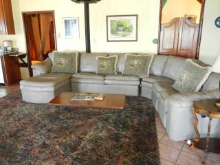 Beautiful 2 bedroom Villa in Gales Point - Gales Point vacation rentals