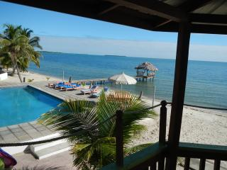Cozy 2 bedroom Placencia Villa with Deck - Placencia vacation rentals