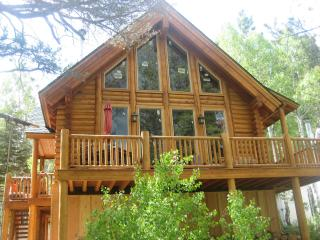 Beautiful Log Cabin near Lake Tahoe - High Sierra vacation rentals