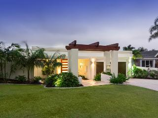 Large 5 Bedroom, 4 Bathroom Home - Sanctuary Cove - Gold Coast vacation rentals