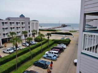 Delightful beach view condo in great location! - Galveston Island vacation rentals