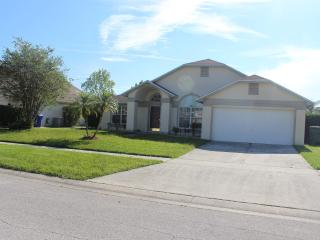 3 Bedroom Villa with Solar Heated Pool *123 - Kissimmee vacation rentals