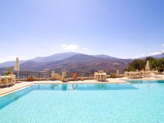Perfect Condo with Washing Machine and Television - Georgioupolis vacation rentals