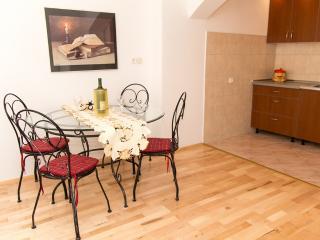 Bougainvillea house in Cavtat / Dubrovnik Area - Cavtat vacation rentals