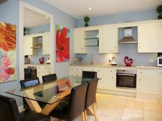 McLeods Mews 2 Bedroom Apartment - London vacation rentals