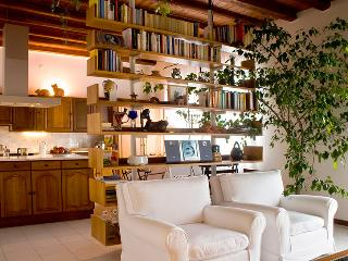 Elegant and quiet B&B in Udine - Udine vacation rentals